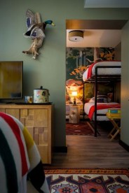 Affordable Retro Décor Ideas That Trending Now 36