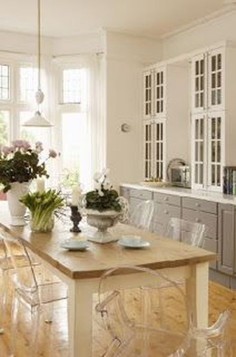 Awesome White And Clear Kitchen Design Ideas 11