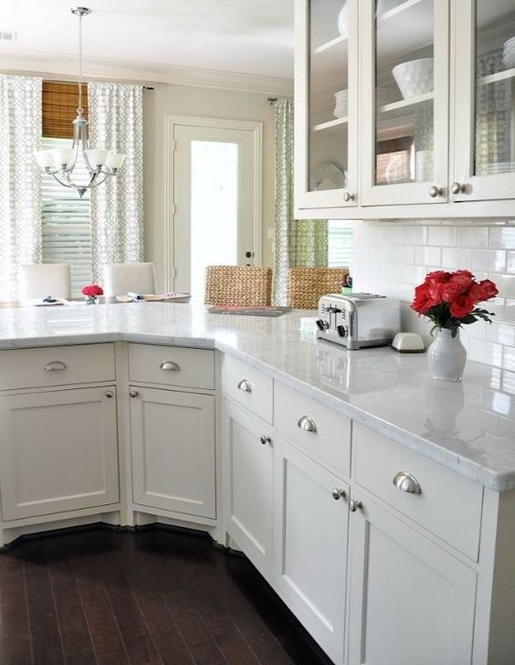 Awesome White And Clear Kitchen Design Ideas 45