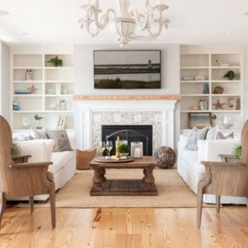 Comfy Living Room Decoration Ideas With Fireplace 23