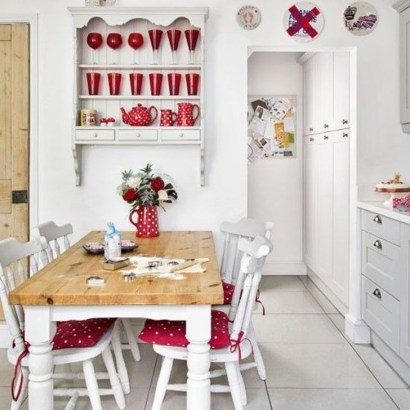 Cozy Red Kitchen Wall Decoration Ideas For You 03