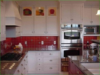 Cozy Red Kitchen Wall Decoration Ideas For You 37