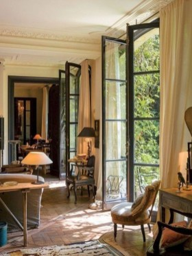 Inspiring French Living Room Decorating Ideas 24