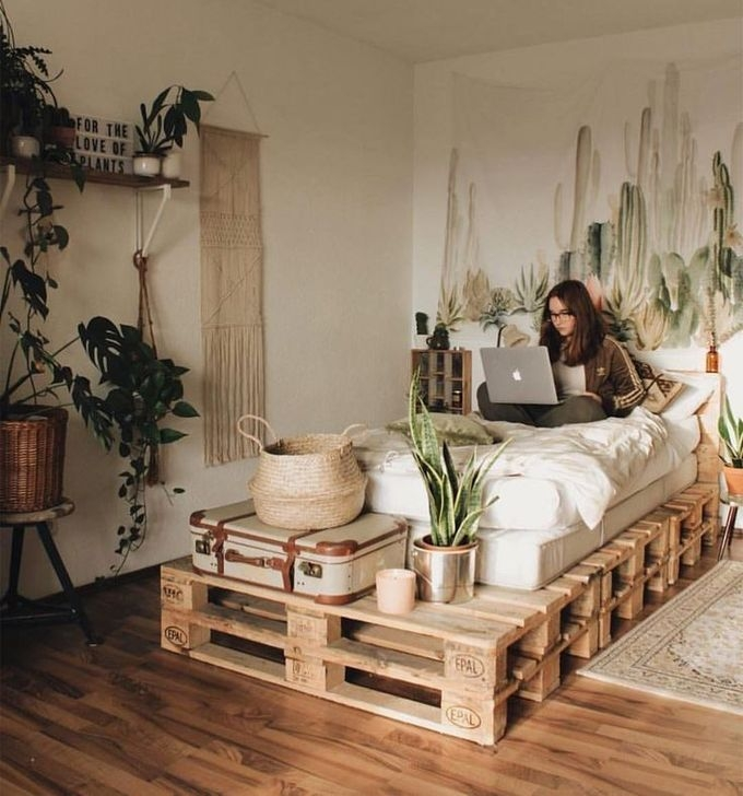 Newest Bedroom Furniture Ideas To Get The Farmhouse Vibe 02