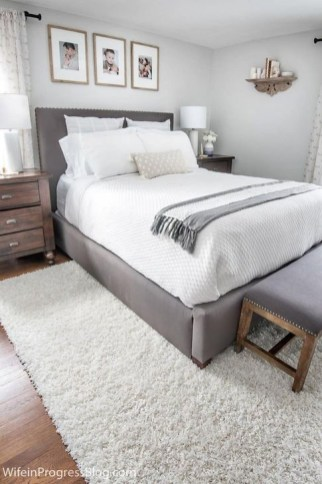Newest Bedroom Furniture Ideas To Get The Farmhouse Vibe 39