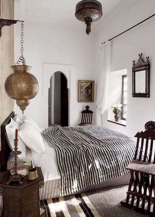 Newest Bedroom Furniture Ideas To Get The Farmhouse Vibe 45