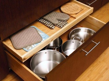 Pretty Hidden Storage Ideas For Kitchen Decor 07