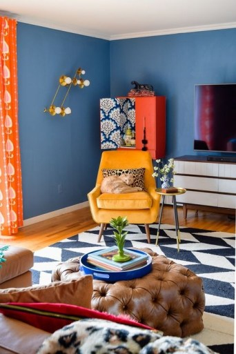 Relaxing Living Room Design Ideas With Orange Color Themes 26