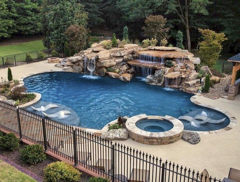 Comfy Backyard Designs Ideas With Swimming Pool Looks Cool 08