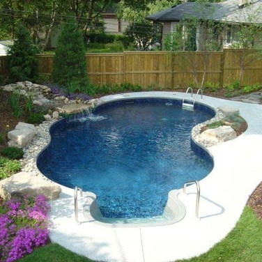 Comfy Backyard Designs Ideas With Swimming Pool Looks Cool 17