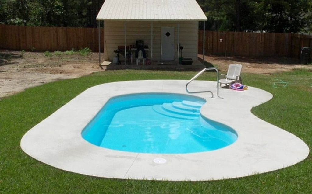 Creative Swimming Pools Design Ideas For Your Yard 34
