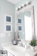 Lovely Farmhouse Bathroom Makeover Ideas To Try Right Now 02