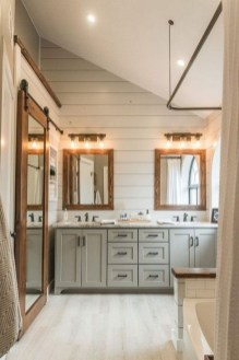 Lovely Farmhouse Bathroom Makeover Ideas To Try Right Now 44