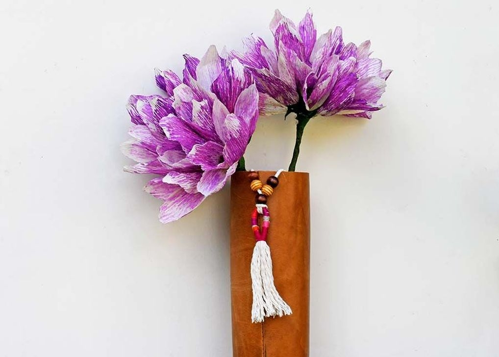 Splendid Diy Flower Vase Ideas To Add Beauty Into Your Home 28