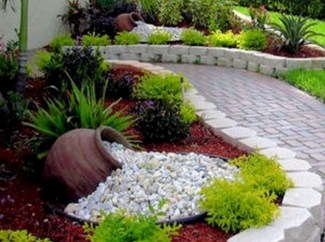 Unusual Front Yard Landscaping Design Ideas That Looks Great 04