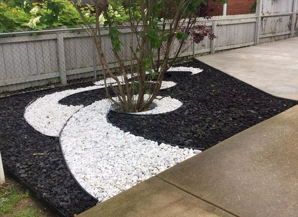 Unusual Front Yard Landscaping Design Ideas That Looks Great 06