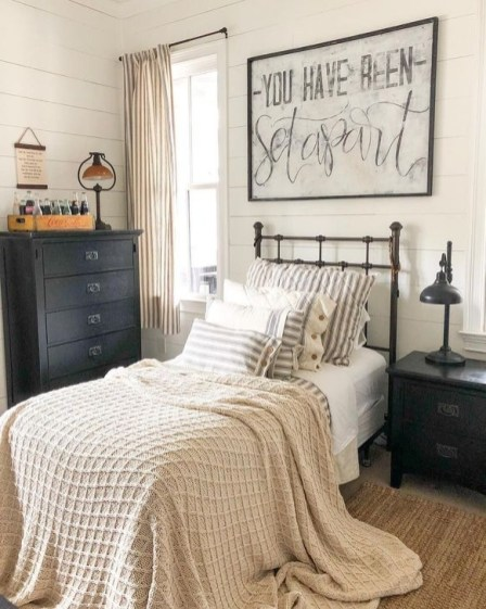 Comfy Small Bedroom Ideas For Your Son To Try 23