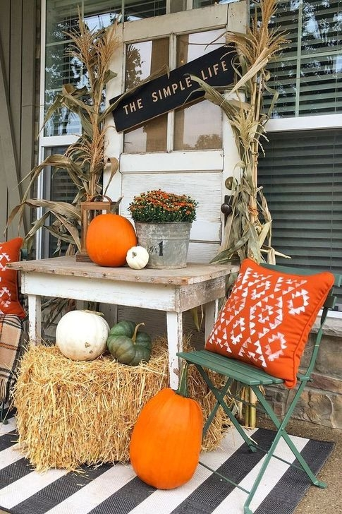 Extraordinary Fall Porch Ideas That Will Be Surely Comfortable 06