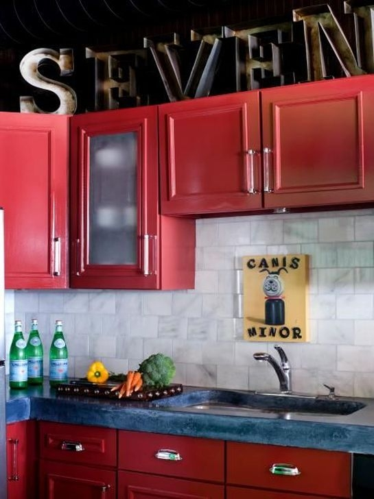 Splendid Kitchen Designs Ideas With Tones Of Vibrant Colors 29