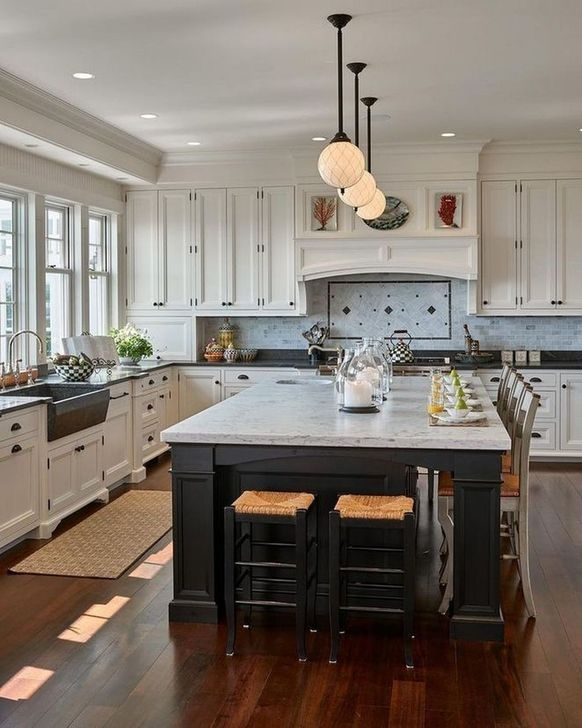 Unordinary Farmhouse Style Kitchen Island Ideas 32