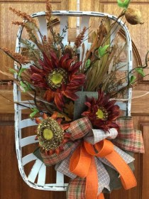 Unordinary Home Decoration Ideas For Fall To Try 07
