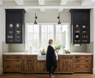 Classy Farmhouse Kitchen Cabinets Design Ideas To Copy 11