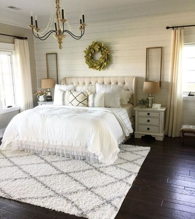 Trendy Farmhouse Master Bedroom Design Ideas 08
