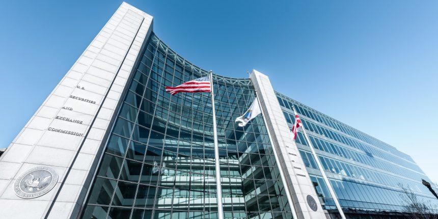SEC dos EUA processa operador por trás do esquema de pirâmide que levantou US$ 26 milhões
