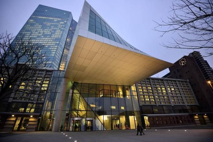 Banco Central Europeu adverte reguladores sobre os perigos da Criptomoeda do Facebook