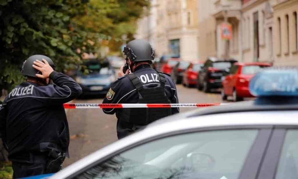 Polícia alemã investiga transferência de bitcoin para assassino da Sinagoga