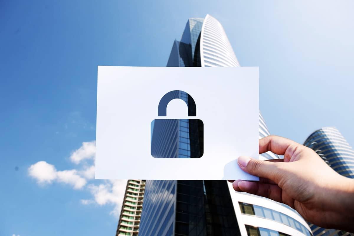CEO da Coinbase defende o licenciamento da plataforma de análise para agências do governo