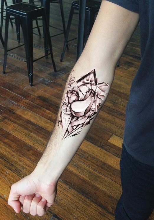 геометрический дизайн татуировки с овощами