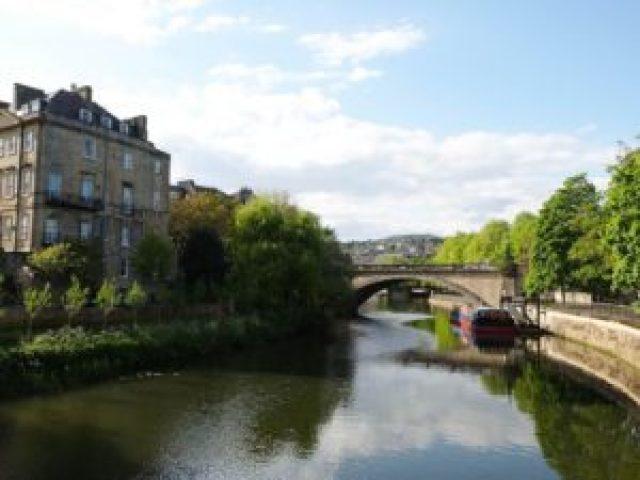 Promenade le long des quais de Bath