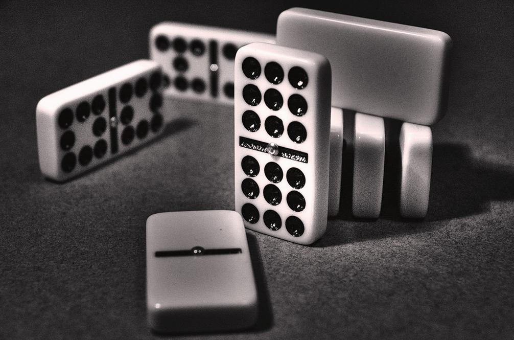 Trik Menganalisa Kartu Domino Lawan