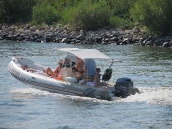 Wassersport auf dem Rhein bei Koblenz