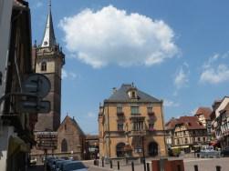 Marktplatz mit Rathaus in Ville d`Obernai