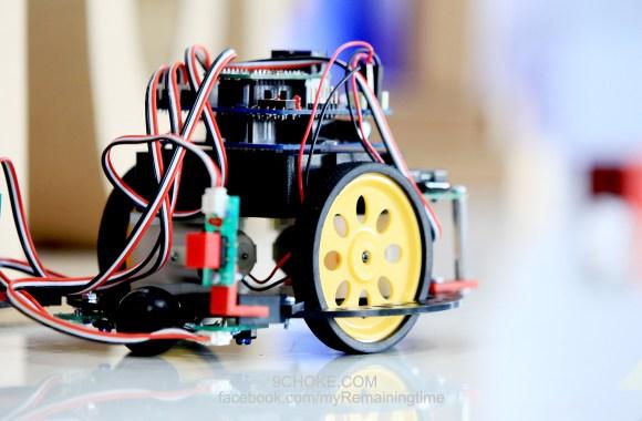 ตามเด็กไปศึกษาเรื่อง Robot และเยี่ยมชม Lab RoVi ที่ มหาวิทยาลัยรังสิต