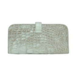 Wallet-crocodile-snow-3
