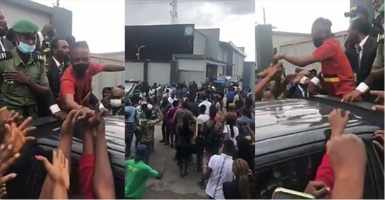Massive crowd welcomes Laycon in Lagos amidst singing and drumming (Video)