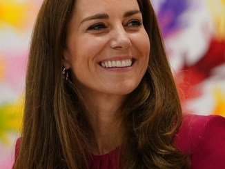 """""""I can't wait to meet Lilibet"""" Kate Middleton says while visiting a school in Cornwall during the G7 summit (video)"""