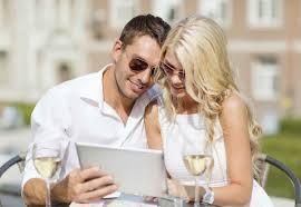 social-media-etiquette-couples