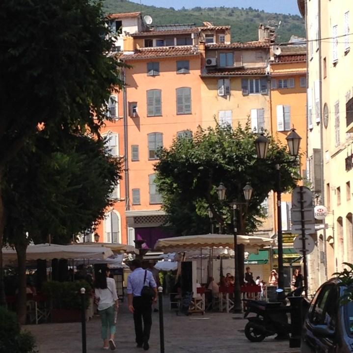 Petite place à Grasse