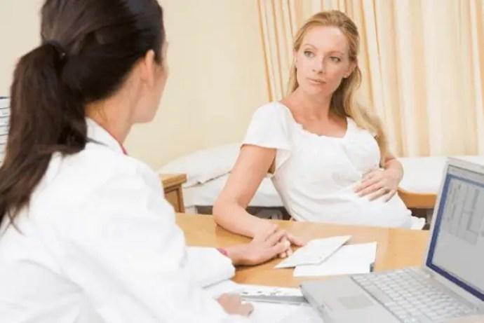 دليل المرأة الحامل لتتعرف على الغذاء والدواء