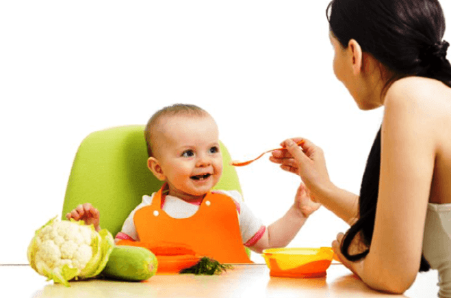 وجبات الأطفال في عمر الستة شهور