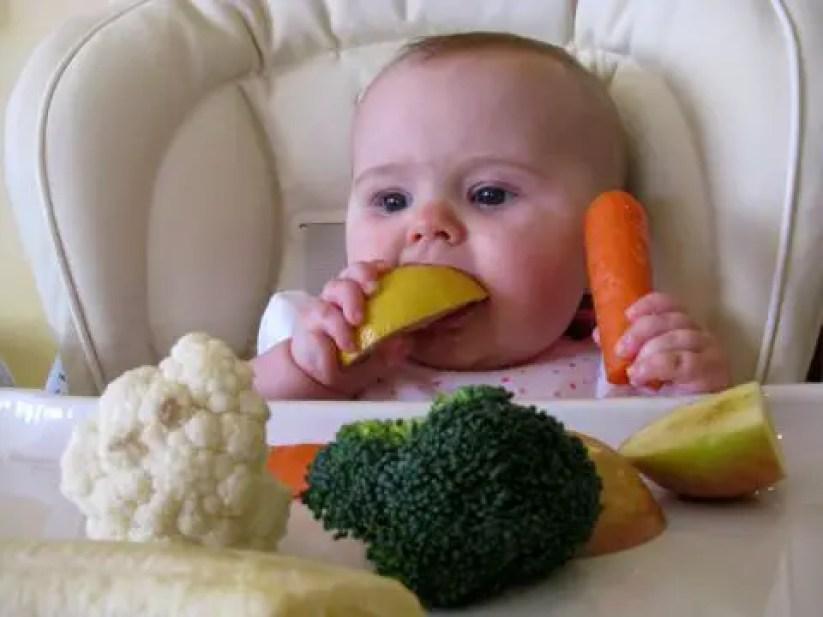 ما هي أنسب الأغذية المُضافة للأطفال الرضع؟