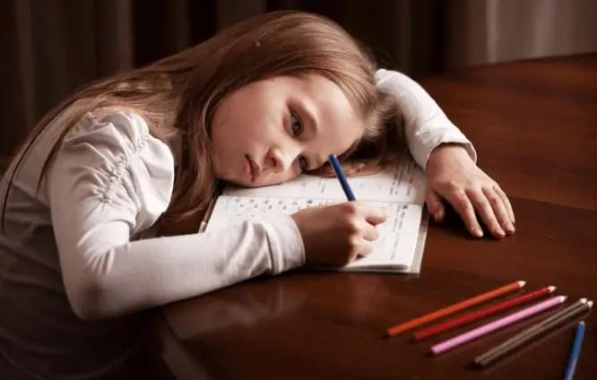 أشهر أخطاء الآباء والأمهات في تربية الأطفال