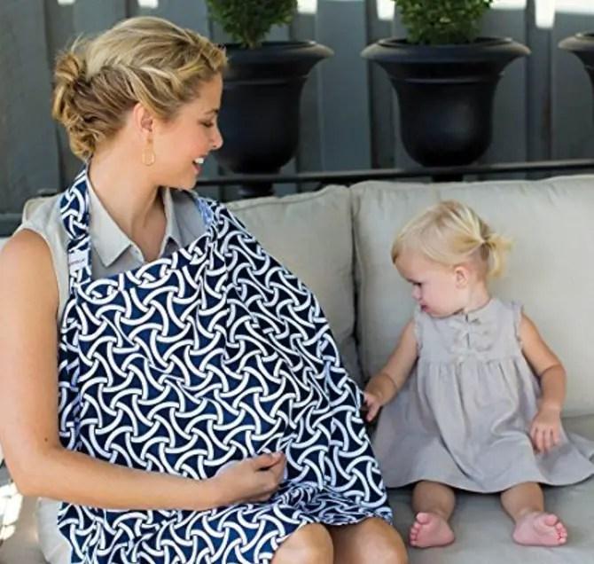 مع أم ضد غطاء الرضاعة الطبيعية في الأماكن العامة؟