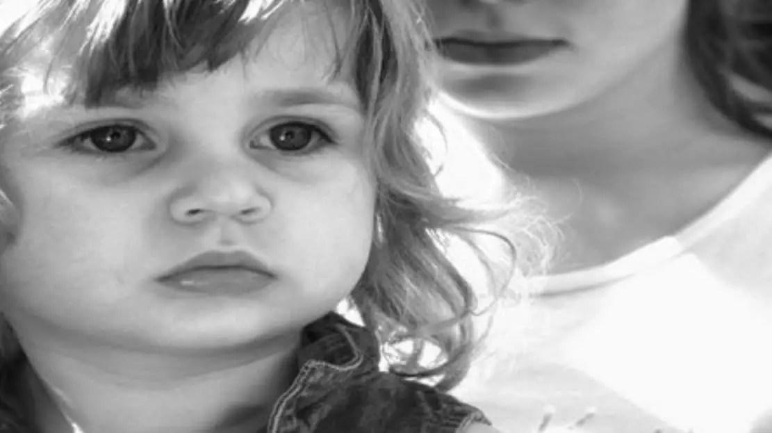 طفلي يُفضل المربية عني ماذا أفعل؟