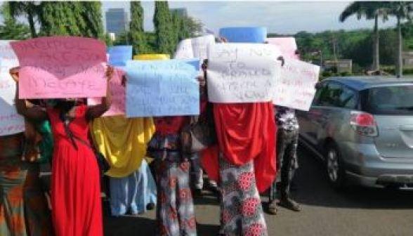 Breaking: Protesters Storm Abuja, Demand Immediate Arrest Of Tinubu Over Bullion Van Saga (Photo)