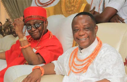 Captain Hosa Okunbo with Oba of Benin